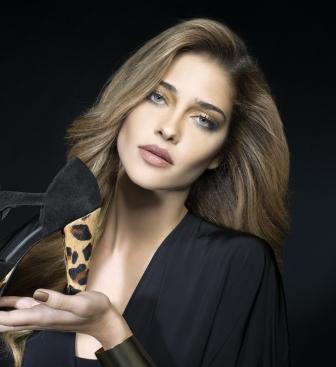 Ана Беатріс Баррос - модель
