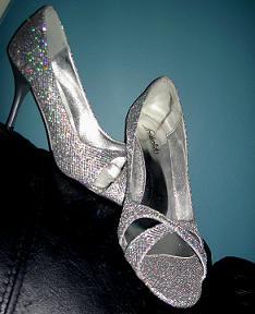 Стекляные туфельки Золушки