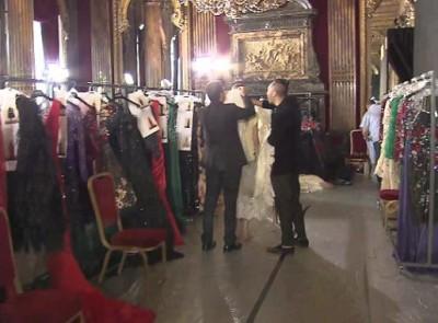 Выставка моды в Париже.