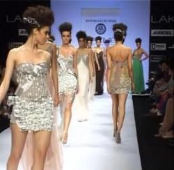 Закончился индийский показ мод