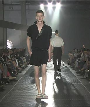 Окрылась выставка моды в Париже