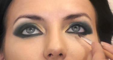 Делаем несложный арабский макияж по фото.