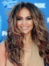 Прически для волнистых волос слоями - фото.