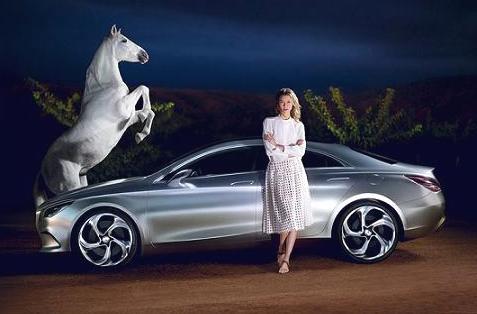 Карли Клосс пригласили для рекламы Mercedes-Benz