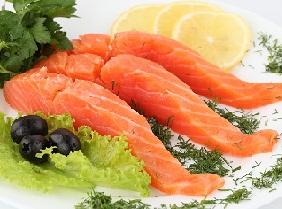 Красная рыба, как защита от ожирения.