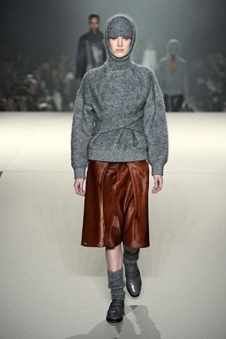 Александр Вэнг предоставил коллекцию одежды - меха.