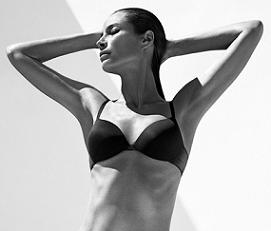 Крісті Тарлінгтон стала обличчям Calvin Klein Underwear