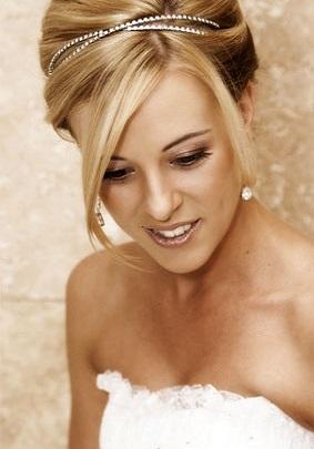 Весільні зачіски на довге світле волосся фото