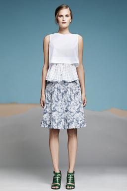 Колекція одягу Araks на вистаці в Нью-Йорку.