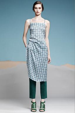 Колекція модного одягу Araks на вистаці в Нью-Йорку