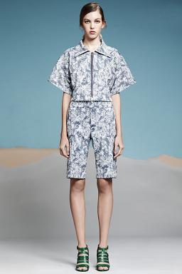 Колекція одягу Araks на вистаці в Нью-Йорку