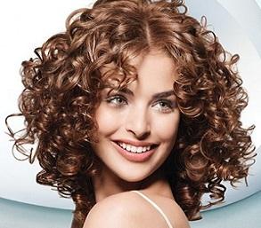 Зберігаємо волосся після хімічної завивки