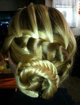 Зачіска з плетінням дивимося на фото