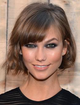 Коротказачіска на пряме волосся - фото