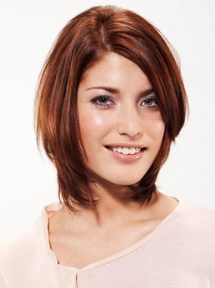 Вечірня зачіска для каштанового волосся