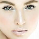 Як правильно наносити макіяж на очі?