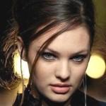 Кендіс Свейнпол буде представляти Victoria's Secret