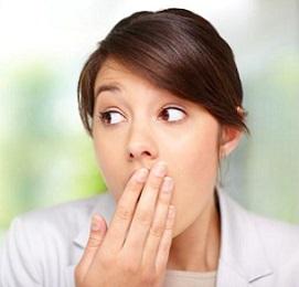 Неприємний запах з рота: причини, лікування