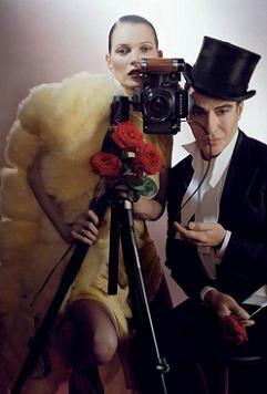 Кейт Мосс на обкладинці різдвяного Vogue.