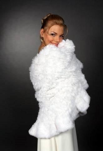 Одежа в білому стилі для зими