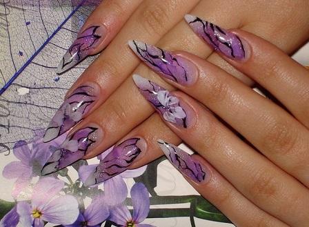 Модний дизайн нігтів на гарному фото