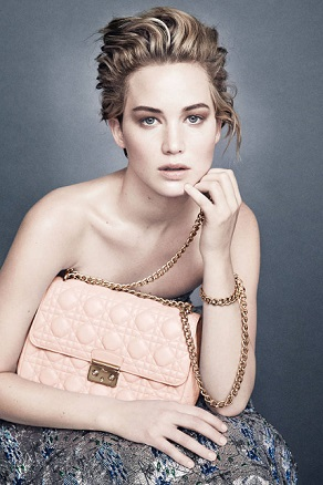 Дженніфер Лоуренс знялася в новій кампанії Dior - сумки і аксесуари