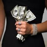 Скільки заробляють жінки в модній індустрії?