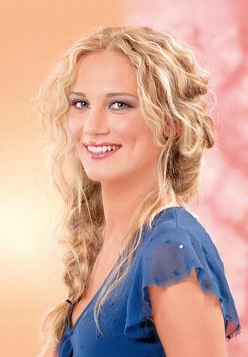 Модні жіночі стрижки для довгого волосся фото