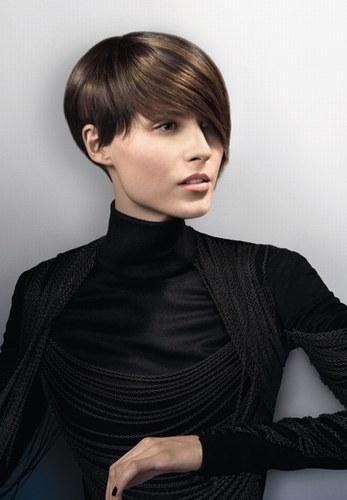 На фото модні жіночі стрижки для короткого волосся