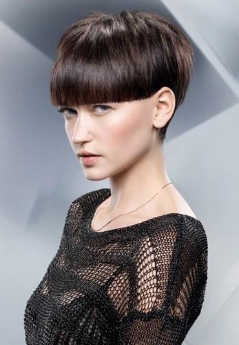 Модні жіночі стрижки на фото для короткого волосся