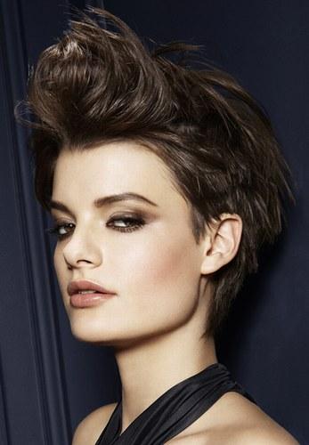 Молодіжні зачіски на кожен день - фото