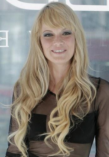 Стрижки для світлого волосся довгої довжини - фото