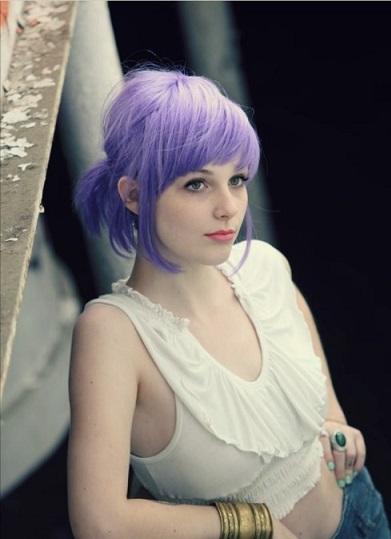 Відзначимо фото дівчат з фіолетовим фолоссям.