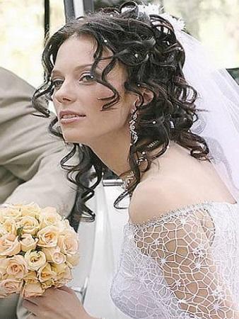 Весільні зачіски з фатою - багато фото