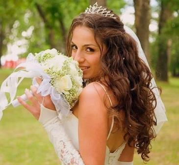 Зачіски для весілля на фото