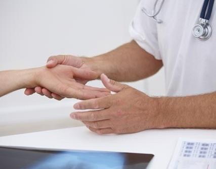 Що робити коли німіють руки?