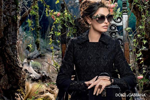 Бьянка Балті представляє осінню колекцію окулярів Dolce & Gabbana