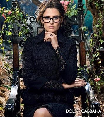Б'янка Балті в осінній колекції окулярів від Dolce & Gabbana