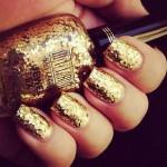 Манікюр із відтінками золота - фото