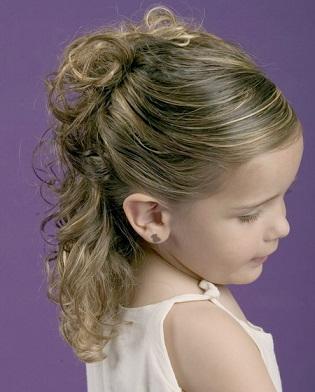 Зачіски для дівчат - підбірка фото для 1-го вересня.