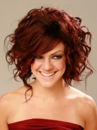 Зачіски для дружок на весілля - фото.