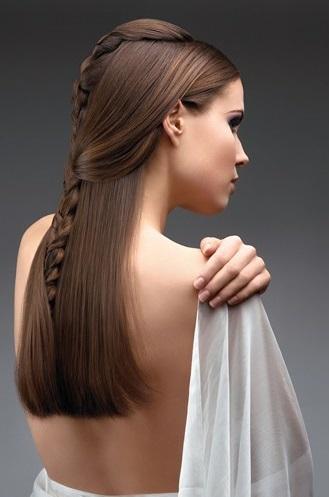 На довгі коси - зачіска в українському стилі - фото.