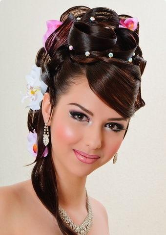 Зачіски в українському стилі для весілля - фото.
