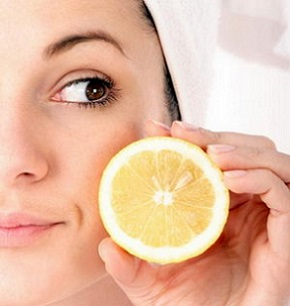 Домашні маски для обличчя із лимону