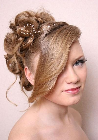 Красиві зачіски на середнє волосся - фото.