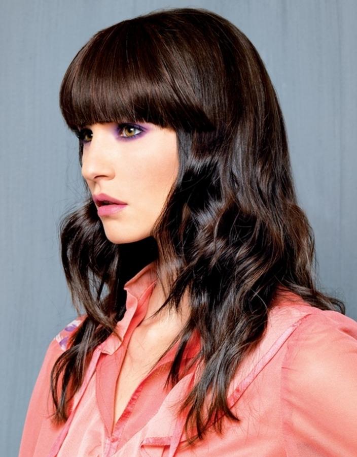 Вигляд на фото красивих зачісок на довгому волоссі.