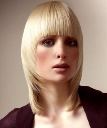 Світлини стильних зачісок на довге волосся