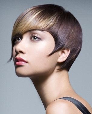 Стиляна зачіска для короткого волосся