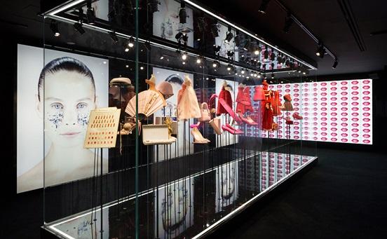 Ретроспективна виставка Esprit Dior в Токіо - фото