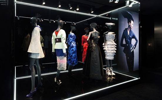 Осінньо-зимова колекція одягу від Esprit Dior, фото.